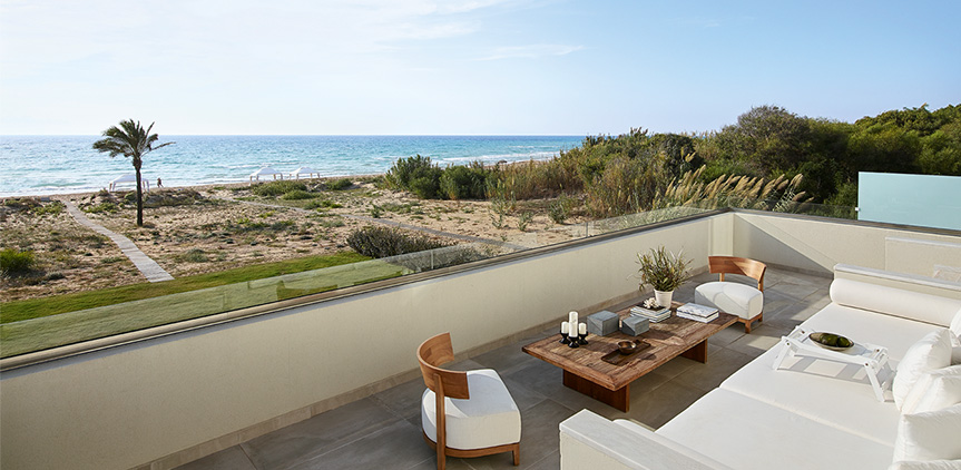 08-three-bedroom-beach-villa-sea-view-balcony-mandola-rosa